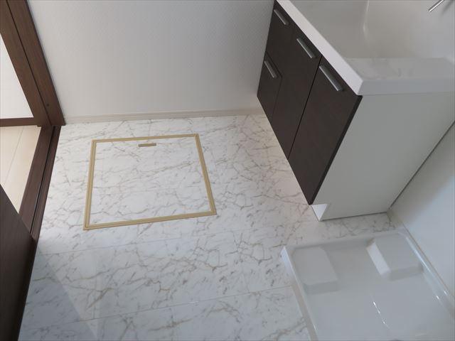 脱衣室(床下収納付き)